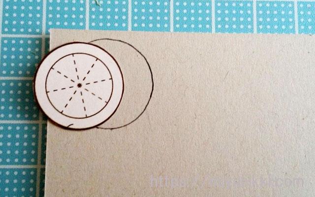 花台の型紙を厚紙に写す