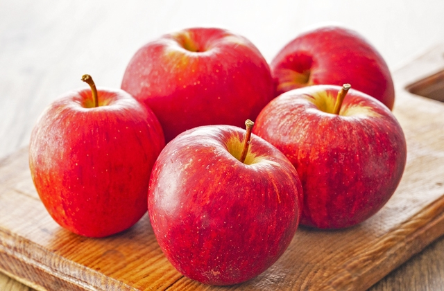 りんご4個